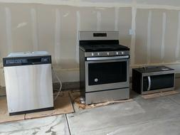 PACKAGE DEAL new kitchen Whirlpool Appliances Gas Oven, Dish